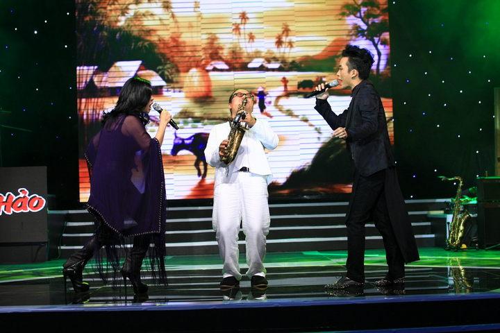 'Ôi quê tôi' với phần thể hiện của Tùng Dương, Thanh Lam trên nền nhạc là tiếng kèn Trần Mạnh Tuấn.