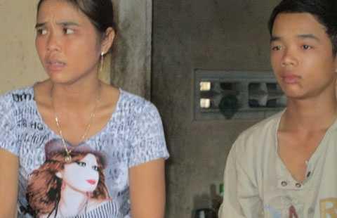 Học sinh Trần Văn Tuấn vẫn còn thất thần vì sợ thầy giáo.