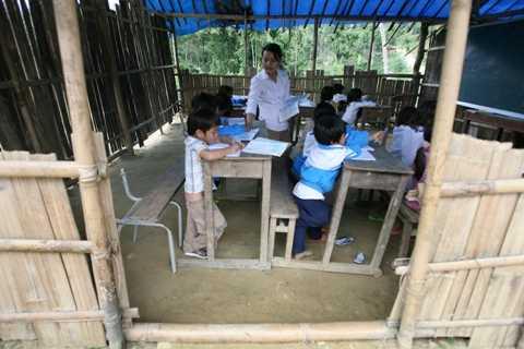 Trường Tiểu học và THCS Trà Xinh trước khi xây