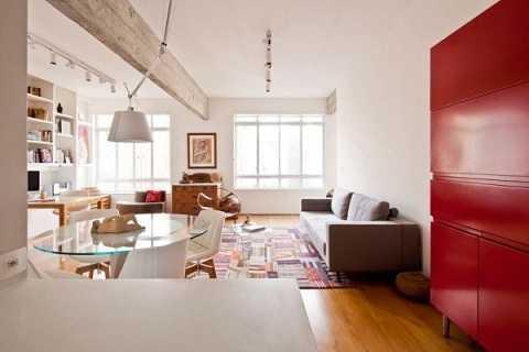 Phòng khách, phòng làm việc và khu vực bàn ăn được bố trí liên thông trong cùng một không gian.