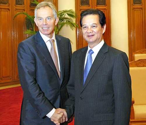 Thủ tướng Nguyễn Tấn Dũng tiếp nguyên Thủ tướng Tony Blair trong lần tới thăm Việt Nam - Ảnh: VGP