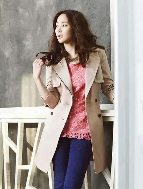 Ngôi sao 27 tuổi khoe vẻ đẹo trẻ trung, thanh lịch trọng bộ ảnh chụp cho chiến dịch thời trang thu - đông của một thương hiệu thời trang nổi tiếng xứ Hàn Compagna.