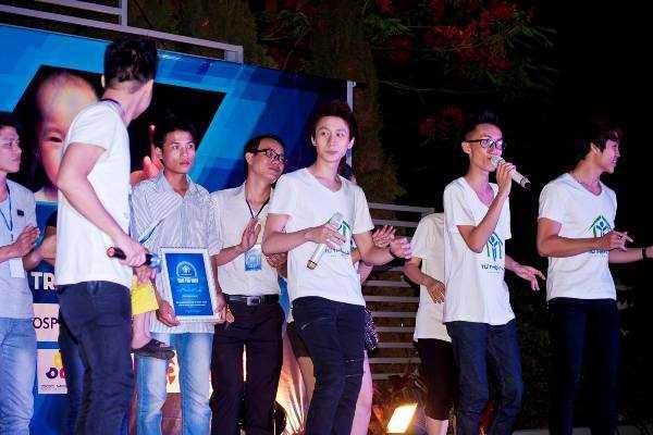 Buổi biểu diễn thu hút được sự tham gia của rất nhiều hot teen Hà Thành