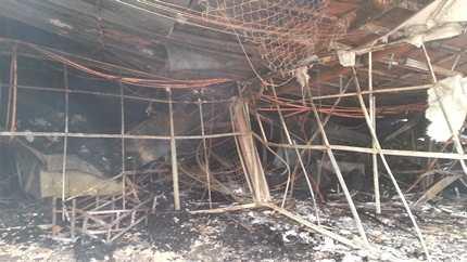 Kho, xưởng của công ty may bị thiêu rụi, đổ sập