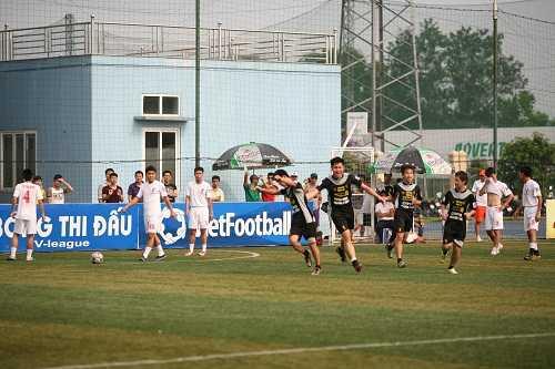 Niềm vui của các cầu thủ An Dương FC (Ảnh: Hoài Dương)