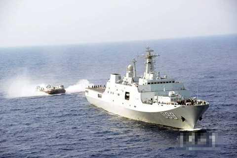 Tàu chiến Trung Quốc tập trận ở Biển Đông