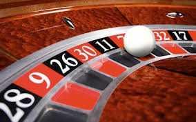 Việt Nam mới chỉ người nước ngoài được chơi các trò chơi bạc ở casino. Nguồn: internet