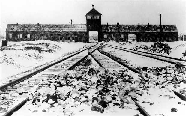 Trại tập trung Auschwitz, nơi Lipschis bị cáo buộc gây ra vụ thảm sát người dân Do Thái.