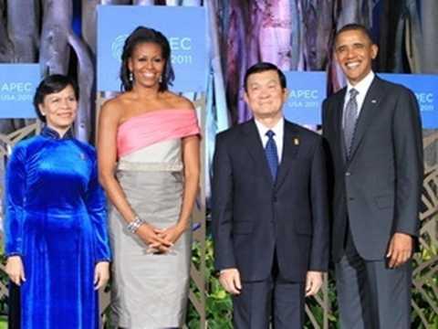 Tổng thống Hoa Kỳ Barack Obama và Phu nhân đón Chủ tịch nước Trương Tấn Sang và Phu nhân tại hội nghị APEC 19. (Ảnh: Nguyễn Khang/TTXVN)