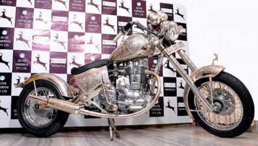 Sản phẩm hiện đang được trưng bày tại Triển lãm trang sức quốc tế (Ấn Độ).