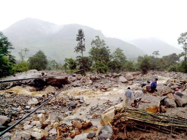 Trận lũ quét này xảy ra vào khoảng 20 giờ 30 phút đêm qua (4/9), tại thôn Cán Hồ A, xã Bản Khoang, huyện Sa Pa, Lào Cai