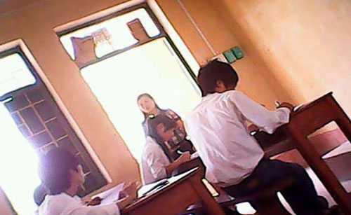 Gian lận thi cử tại Hội đồng Thi Trường THPT Đồi Ngô (Bắc Giang) trong kỳ thi tốt nghiệp THPT 2012