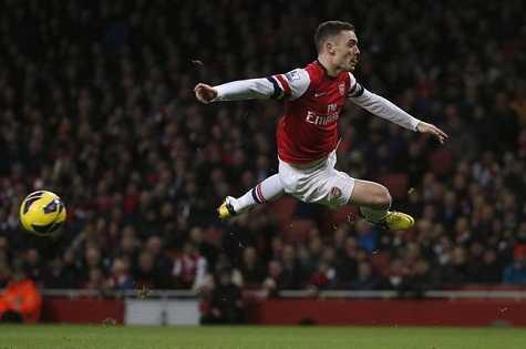 Vermaelen đang trên đường rời Arsenal