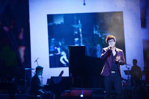 Đinh Mạnh Ninh ấn tượng cùng Mùa yêu đầu.