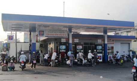 Cửa hàng xăng dầu Petrolimex số 42 - nơi xảy ra vụ nổ trong đêm 19/2/2013