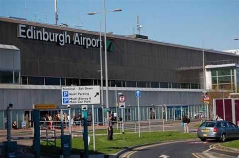 Sân bay Edinburgh, Anh - Ảnh: Dailymail
