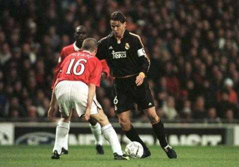 Đội trưởng Redondo rực sáng nơi trung tâm hàng tiền vệ Real Madrid, còn đội trưởng Roy Keane thành tội đồ với pha đá phản lưới nhà.