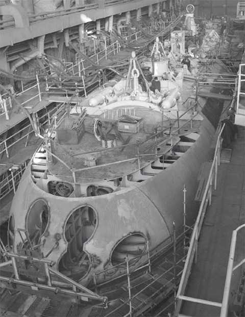 Tàu kilo thứ ba đóng cho Việt Nam đã hình thành trong nhà máy Admiral verfi