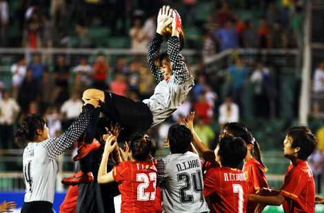 Thủ thành Kiều Trinh xứng đáng là cầu thủ nữ xuất sắc nhất khu vực! (Ảnh: VSI)