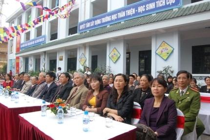 Đại diện các Sở, ban ngành tới tham dự buổi lễ.