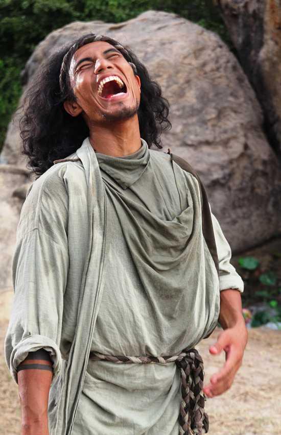 Dương Linh là người đàn ông duy nhất còn sống sót trong toàn bộ lãnh thổ lân cận Đường Sơn Quán.
