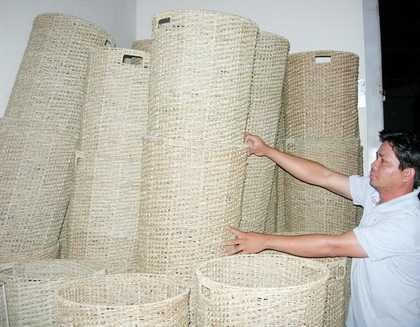 Những chiếc sọt thành phẩm sản xuất từ HTX tiểu thủ công nghiệp Ngọc Bích. Ảnh: Ái Nam