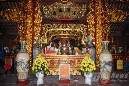 Chính điện thờ Đức Thái tổ Mạc Đăng Dung cùng các Tiên đế Vương Triều Mạc - Ảnh Minh Khang