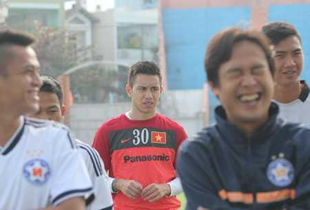 Michal Nguyễn tập nhờ tại SHB Đà Nẵng