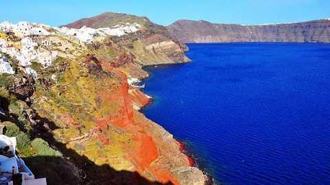 Ngọn núi lửa trên đảo Thera đã phun trào với sức mạnh tương đương của vài trăm quả bom nguyên tử