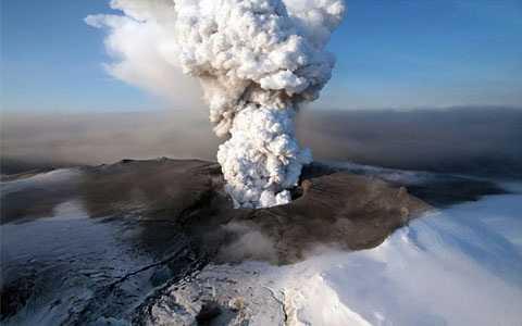 Núi lửa Laki phun trào vào năm 1783 khiến hơn 1/5 dân số thiệt mạng