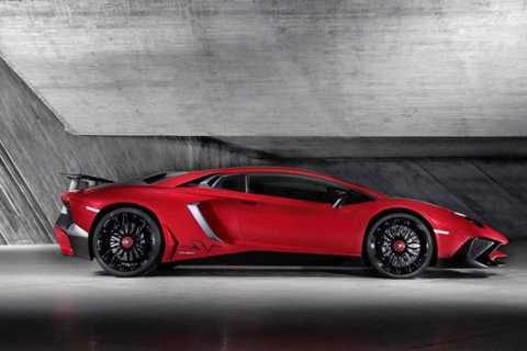 3. Lamborghini Aventador SuperVeloce.