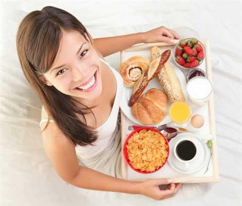 Ăn sáng quá sớm không những không tốt cho cơ thể mà còn gây hại cho đường ruột