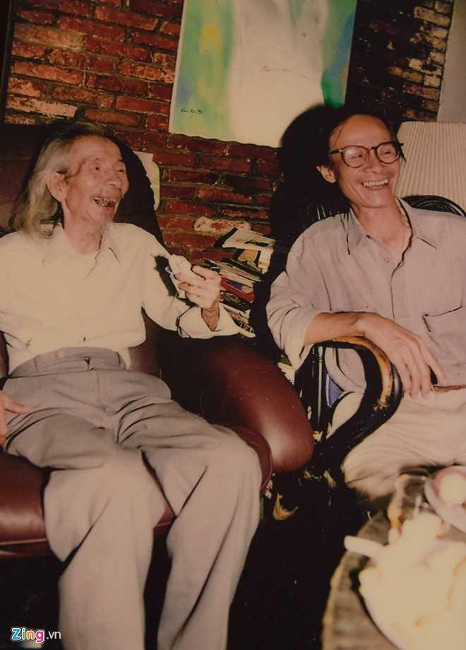 Sinh thời, Văn Cao và Trịnh Công Sơn là những người bạn thân.Trịnh Công Sơn gọi âm nhạc của Văn Cao là âm nhạc của thần tiên, bay bổng còn Văn Cao gọi Trịnh Công Sơn là người của thơ ca.