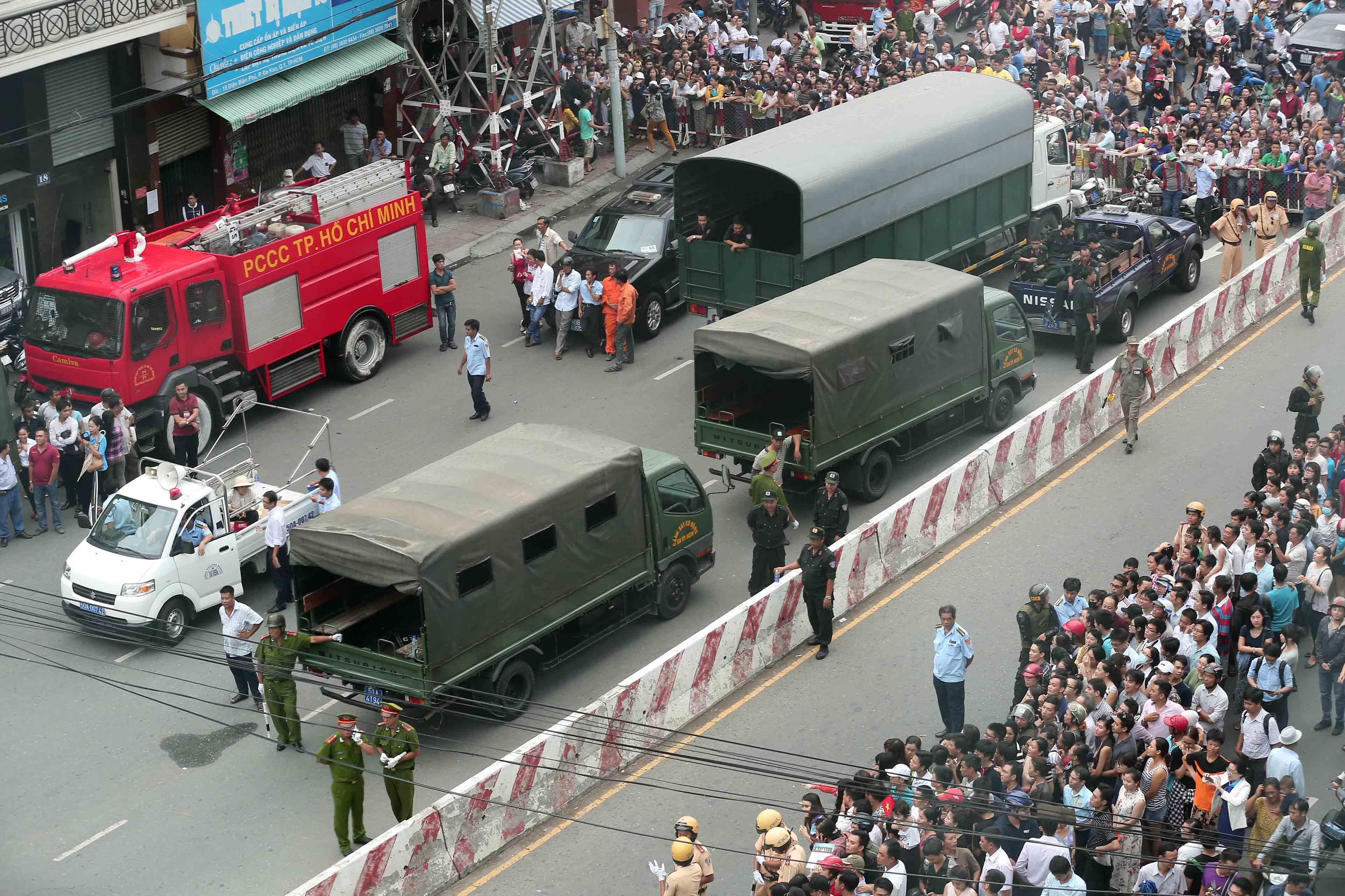 An ninh siết chặt quanh khu vực chùa Ngọc Hoàng - Ảnh: Thanh niên
