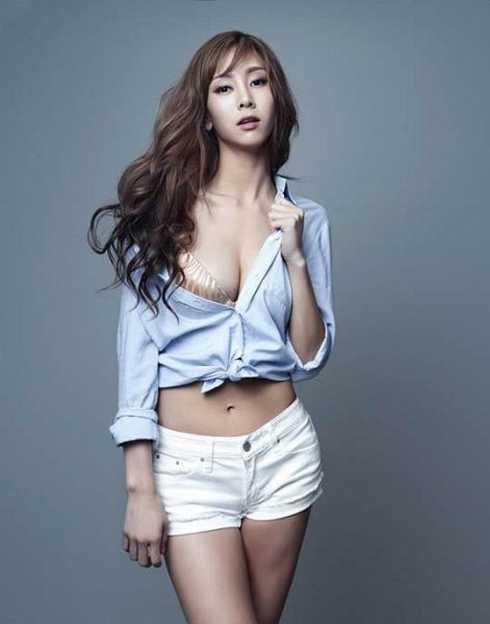 """Gần đây nhất, nữ ca sĩ nổi tiếng G.NA của Hàn Quốc là người đẹp tiếp theo dính phải nghi án """"đi khách"""" với giá lên tới 35 triệu won (700 triệu đồng)."""
