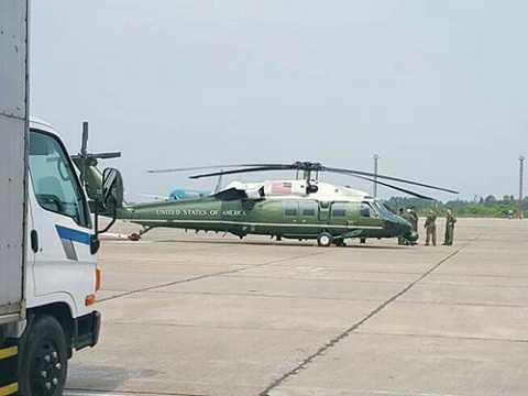 Trực thăng Marine One đã được lắp cánh và sẵn sàng phục vụ cho Tổng thống Barack Obama trong chuyến thăm Việt Nam