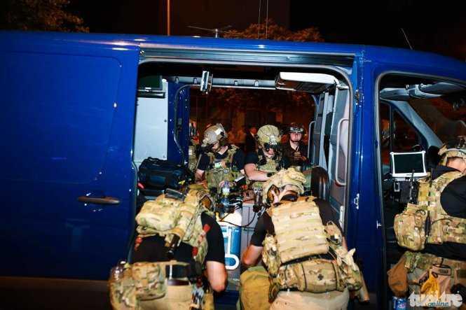 Đặc nhiệm Mỹ trang bị thiết bị bảo vệ Tổng thống - Ảnh: Tuổi trẻ