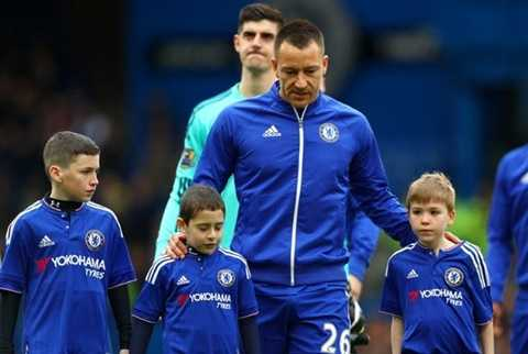Tượng đài Terry rất có thể sẽ rời Chelsea