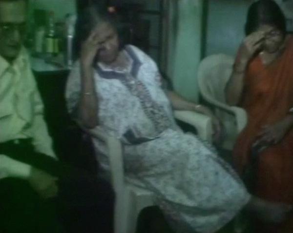 Mẹ của Pratyusha Banerjee không khỏi đau đớn vì mất con gái