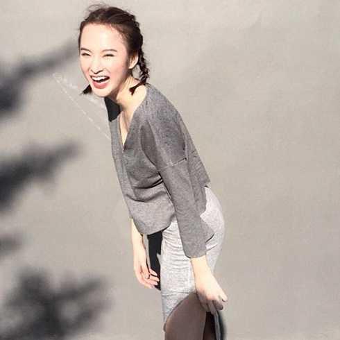 Angela Phương Trinh khoe nụ cười rạng rỡ trên trang cá nhân