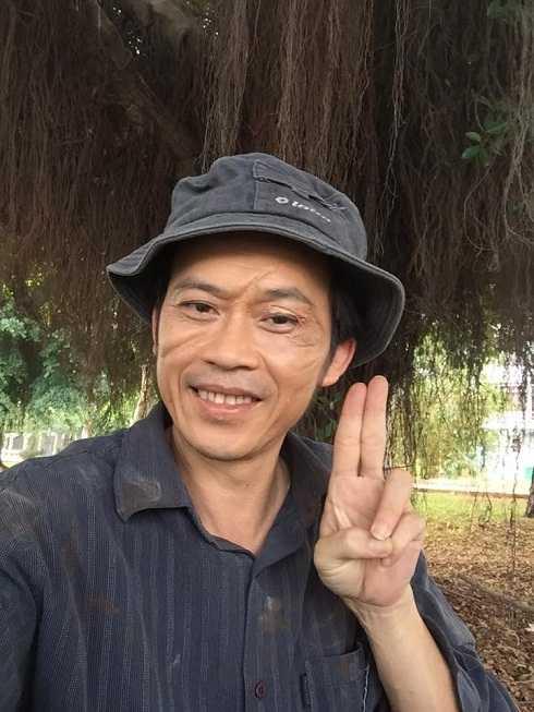 Hoài Linh đăng hình kèm chú thích hài hước:
