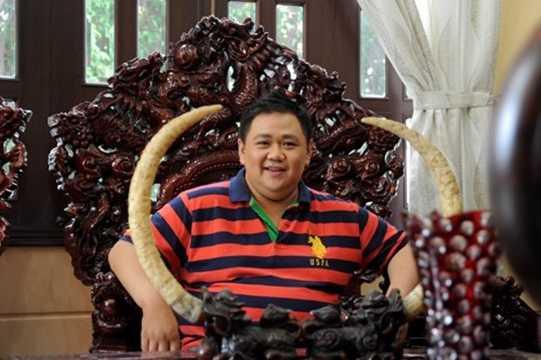 """Năm 2012, diễn viên Minh Béo đã """"tậu"""" được một ngôi nhà hoành tráng với nội thất gỗ quý nhưng sau đó anh lại bán để đầu tư cho nghệ thuật."""