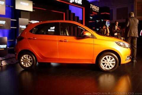 Tata Tiago mẫu xe rẻ nhất thế giới vừa được ra mắt tại Ấn Độ.