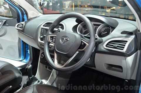 Một số hình ảnh nội thất của mẫu xe Tata Tiago - mẫu xe ô tô rẻ nhất thế giới, giá chưa tới 100 triệu đồng.