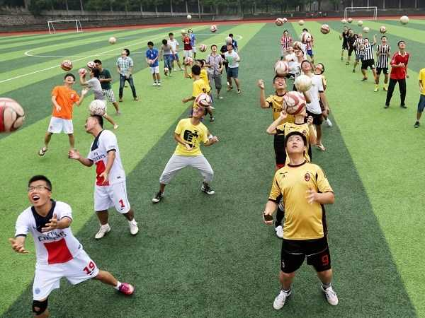 Trung Quốc phát triển bóng đá học đường