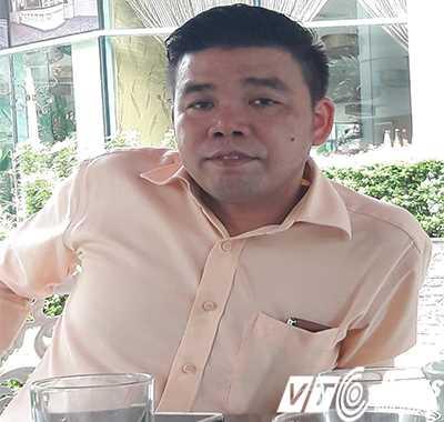 """Vũ Ngọc Thuyển – """"ông trùm lừa đảo"""" vụ MB24 trao đổi với phóng viên hôm 13/4. Ảnh H.Hưng"""