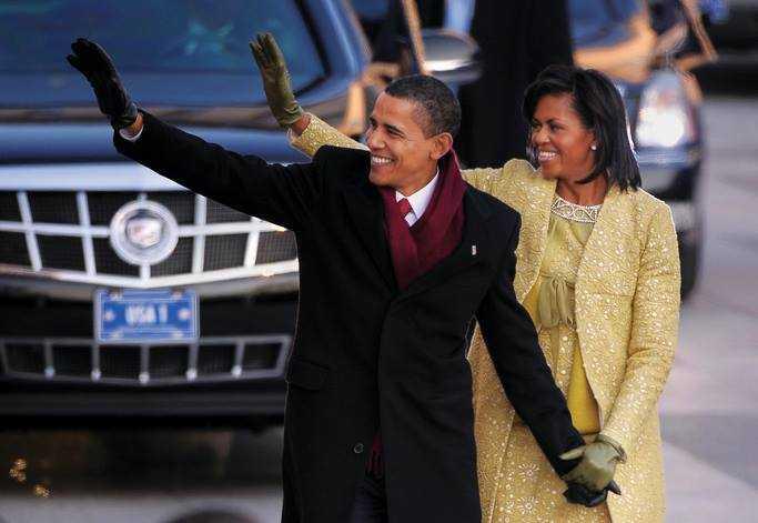 Ông Barack Obama diện áo khoác và khăn quàng của Brooks Brothers trong lễ nhậm chức đầu tiên.