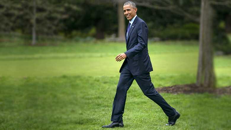 Họ cho biết ông   Obama có thể diện đôi giày này đến bất kỳ nơi đâu, dù đó là đám cưới   thoải mái hay một dịp quan trọng nhờ sự sự sang trọng và đầy mạnh mẽ đến   từ kiểu dáng đẹp, thon, thanh lịch.