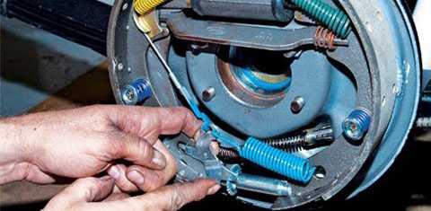 thay đĩa phanh hay rotor, đồng thời cũng để đảm bảo an toàn cho người sử dụng.