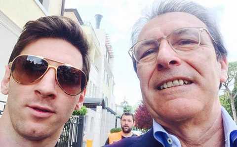 Messi bên cạnh chuyên gia dinh dưỡng